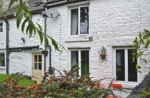 Last Minute Cottages - Charming Tideswell Cottage S16687