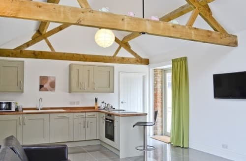 Last Minute Cottages - Cosy All Northamptonshire Cottage S16692
