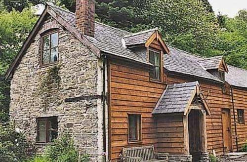 Last Minute Cottages - Cosy Bishops Castle Cottage S16718