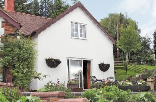 Last Minute Cottages - Cosy Ludlow Cottage S16784