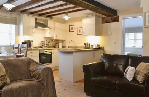 Last Minute Cottages - Captivating Shrewsbury Lodge S33557