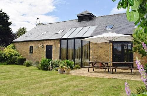 Last Minute Cottages - Shire Barn