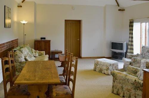 Last Minute Cottages - Stunning Brundall Cottage S71461