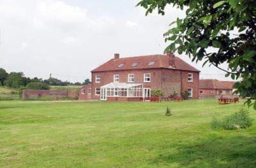 Last Minute Cottages - MANOR FARMHOUSE
