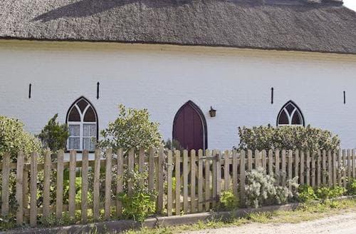 Last Minute Cottages - Church Cottage