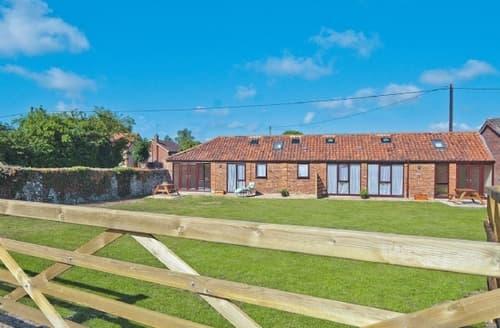 Last Minute Cottages - Luxury King's Lynn Cottage S17507