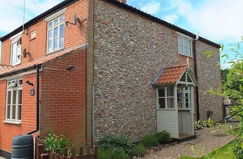 Last Minute Cottages - Gorgeous Melton Constable Cottage S17515