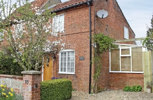 Last Minute Cottages - Delightful Melton Constable Cottage S17525