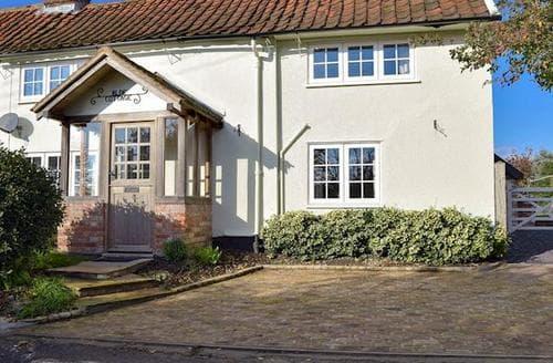 Last Minute Cottages - Cosy Saxmundham Cottage S72871
