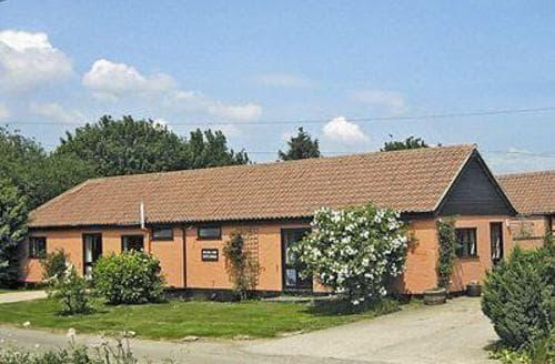 Last Minute Cottages - Cosy Sudbury Cottage S18031