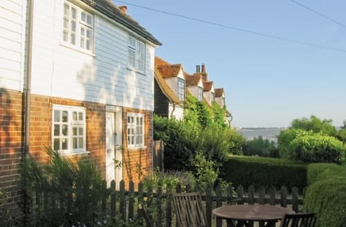 Last Minute Cottages - Captivating Colchester Cottage S18078