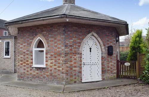 Last Minute Cottages - Wonderful Colchester Cottage S78162