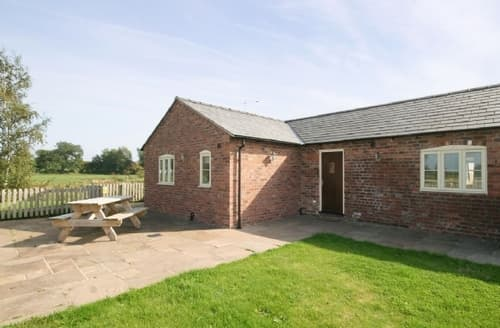 Last Minute Cottages - Cosy Chester Cottage S18151