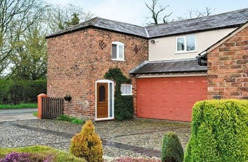 Last Minute Cottages - Lovely Chester Cottage S18146