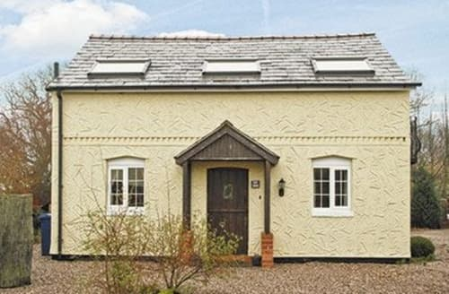 Last Minute Cottages - Gorgeous Chester Cottage S18150