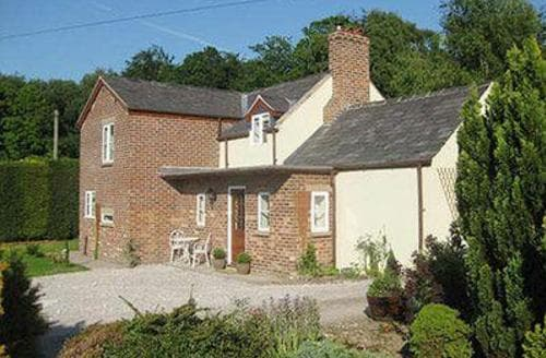 Last Minute Cottages - Wonderful Chester Cottage S18152