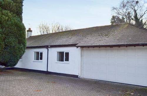 Last Minute Cottages - Quaint Chester Lodge S78711