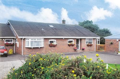 Big Cottages - Cosy Macclesfield Cottage S18155