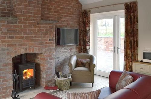 Last Minute Cottages - Gorgeous Stoke On Trent Apartment S76025