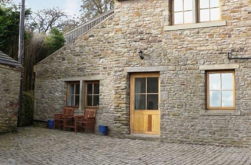 Last Minute Cottages - Charming Clitheroe Cottage S18228