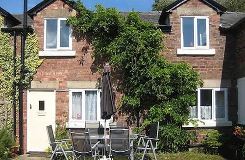 Last Minute Cottages - Beautiful Southport Cottage S74054