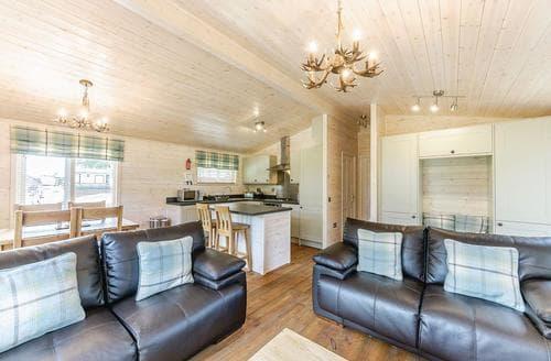 Last Minute Cottages - Doe View Lodge