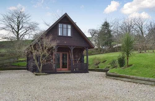 Last Minute Cottages - Cosy Honiton Lodge S76986