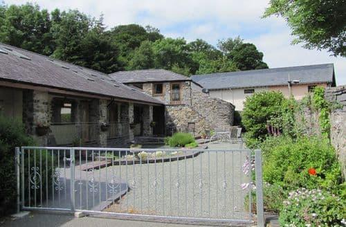 Last Minute Cottages - Bryn Llys