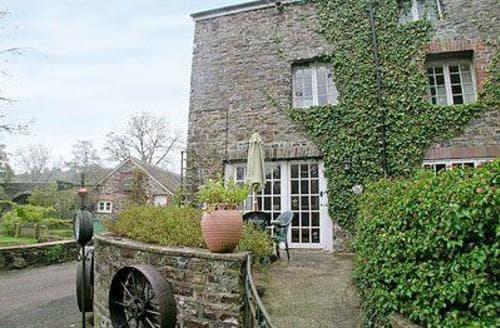 Last Minute Cottages - Superb Torrington Apartment S19225