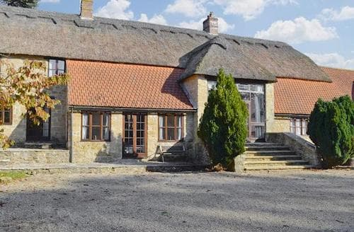 Last Minute Cottages - Inviting Bridport Cottage S19711