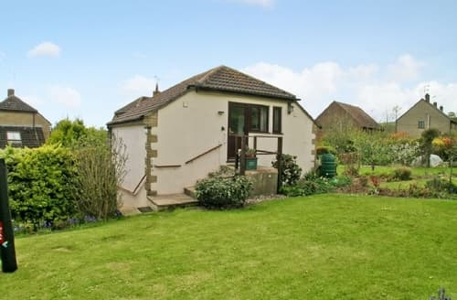 Last Minute Cottages - Exquisite Bridport Apartment S19714
