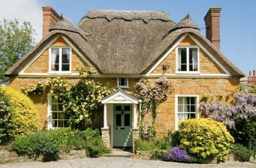 Last Minute Cottages - Beautiful Chideock Cottage S19725