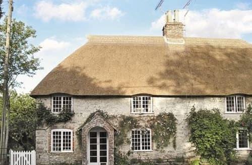 Last Minute Cottages - Cosy Dorchester Cottage S19780