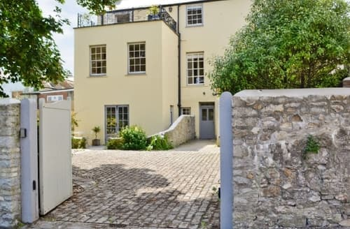 Last Minute Cottages - THE MITFORD