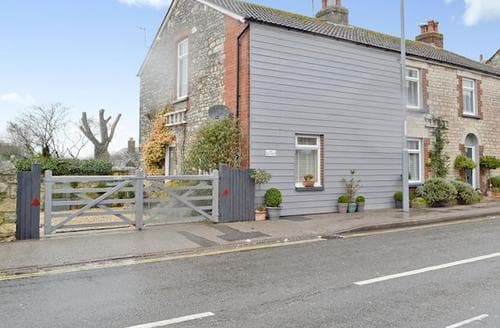 Last Minute Cottages - Splendid Weymouth Apartment S19962