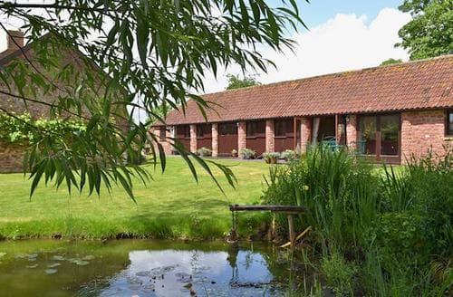 Last Minute Cottages - GRANGE FARM COTTAGE