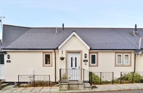 Last Minute Cottages - Cosy Wells Cottage S43555