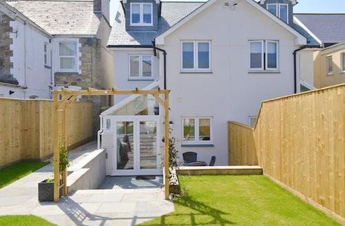 Last Minute Cottages - Wonderful Newquay Apartment S56437
