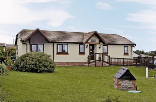 Last Minute Cottages - Attractive Padstow Cottage S20623