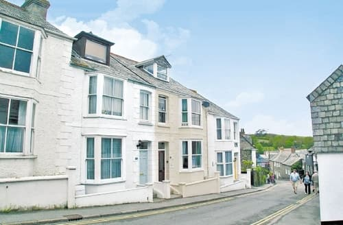Last Minute Cottages - Attractive Padstow Cottage S20646