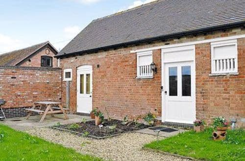 Last Minute Cottages - Luxury Stratford Upon Avon Cottage S15910