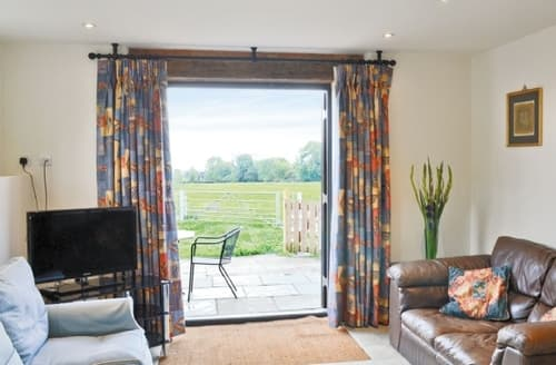 Last Minute Cottages - Superb Alcester Cottage S15915