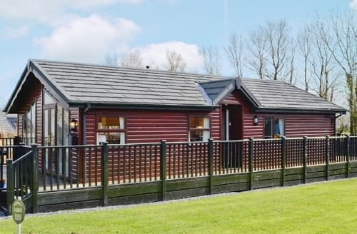 Last Minute Cottages - Wonderful Looe Lodge S21039