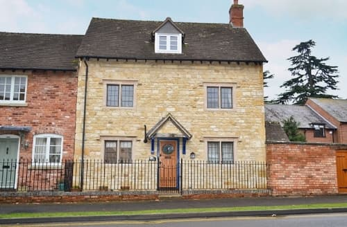 Last Minute Cottages - Exquisite Stratford Upon Avon Cottage S15935