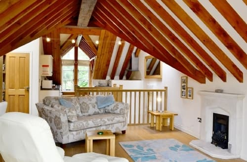 Last Minute Cottages - Cosy Stratford Upon Avon Lodge S15942