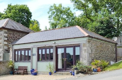 Last Minute Cottages - Attractive Truro And The Roseland Peninsula Cottage S21181
