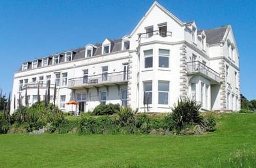 Big Cottages - Splendid Helston And The Lizard Peninsula Cottage S25026