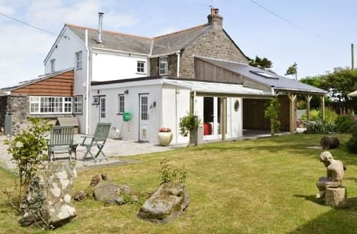 Last Minute Cottages - Trevothan Farmhouse