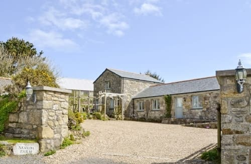 Big Cottages - Excellent Helston And The Lizard Peninsula Cottage S21196