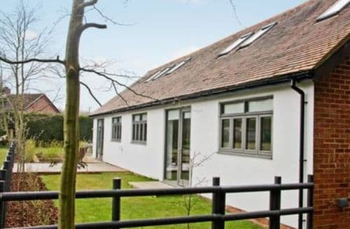 Last Minute Cottages - Wonderful Warwick Cottage S15966